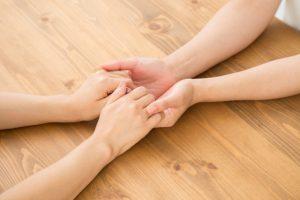 友人の力で「恋人同士・夫婦関係の絆」を強化できる
